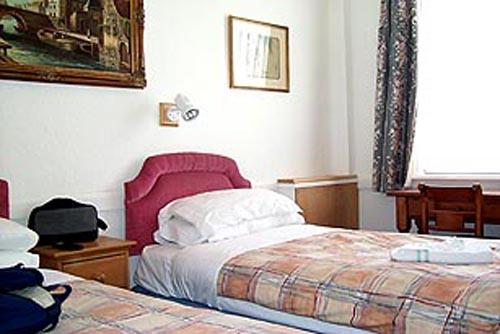 hotel lynton 2