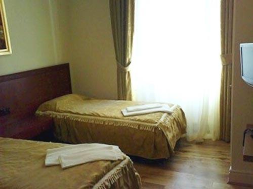 habitación del hotel corner house
