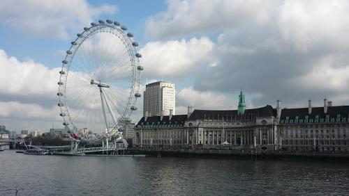 El Acuario de Londres junto al London Eye