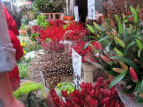 Mercado de flores en la calle Columbia